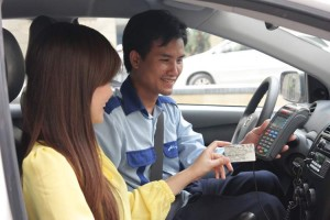 Tuyen lai xe taxi 2 300x200 - Tiêu chí thứ 2 để trở thành người lái xe taxi chuyên nghiệp