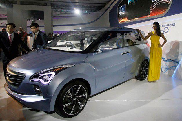 """Hyundai Hexa Space Lazang - Hyundai gây """"chấn động"""" với mẫu xế hộp gia đình giá rẻ"""