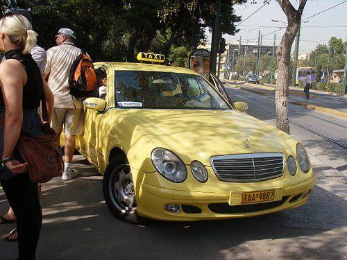 athens taxi 1 - Những điểm cộng cho dịch vụ taxi ở Athens – Hy Lạp