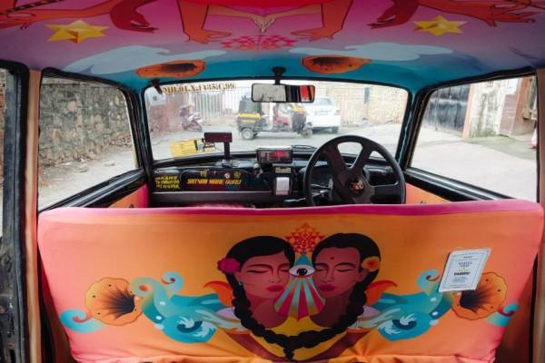 doc-dao-nhung-tac-pham-nghe-thuat-ben-trong-taxi-5