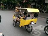 Xe taxi la 3 160x120 - Ông bố trẻ và chiếc taxi tự chế ở Hà Nội
