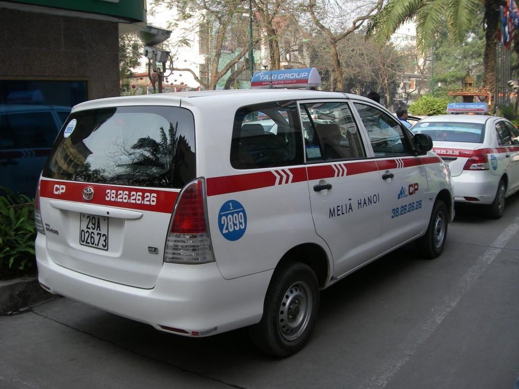 Taxi 7 chỗ Hà Nội